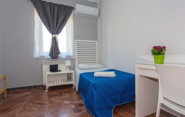 Praiola room